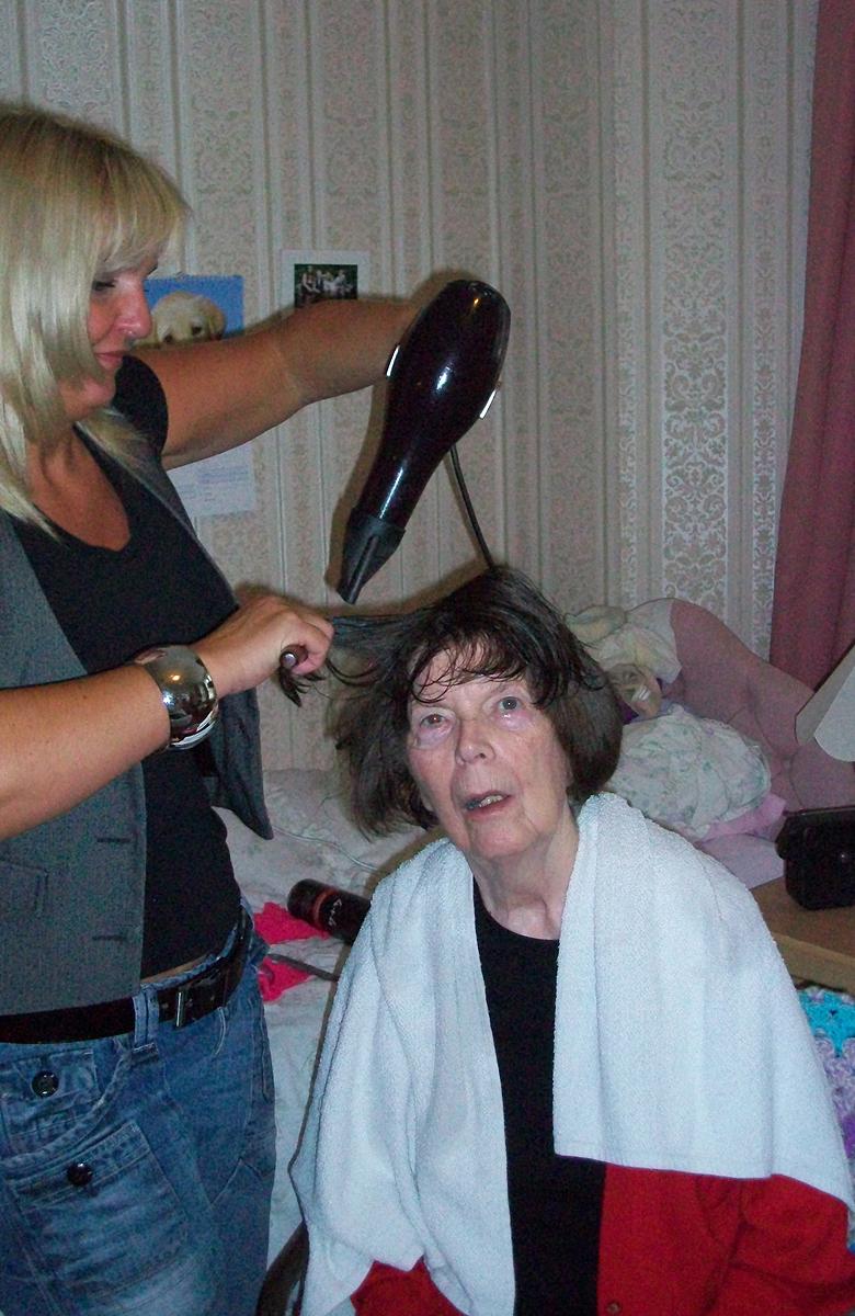 crowstone-hairdresser